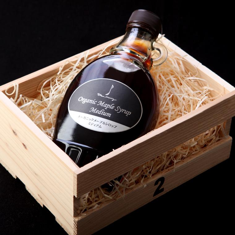 メープルシロップと木箱