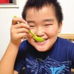 【レシピ:甘酒】果肉を残すと、食べた時に食感が楽しい「甘酒桃シャーベット」